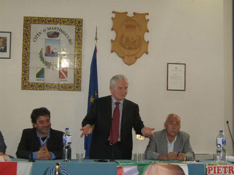 Il presidente della Provincia Ernino D'Agostino, Achille Serra e Pietro Dursi, candidato del Pd alle provinciali di giugno